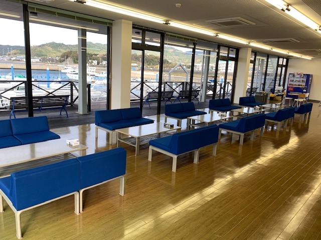 http://www.suzukimarine.co.jp/marina/mikawamito/blog/2018/12/05/img/IMG_0188.jpg